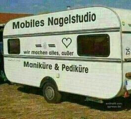 Mobiles Nagelstudio