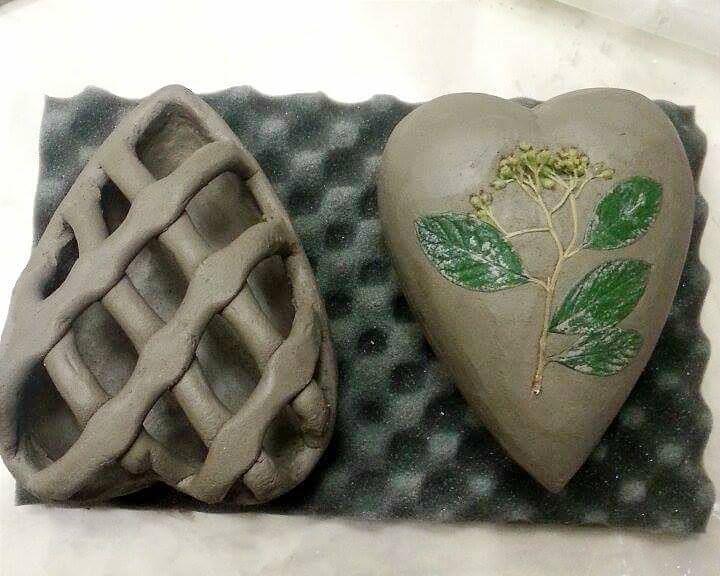 Work in progress, cuori in ceramica raku #santarcangelo