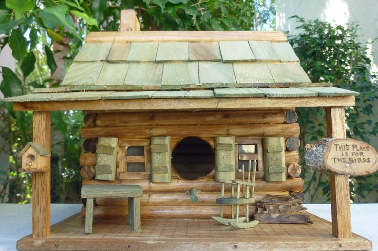 LOG CABIN BIRDHOUSE by rdsoifer - Now THIS is a birdhouse!