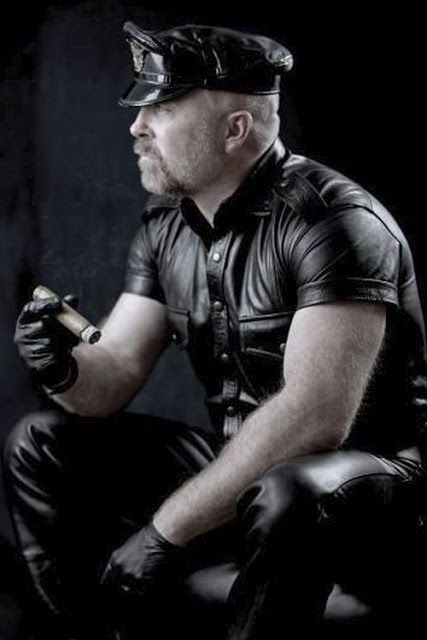 Leather Cop: Fetish Wear, Full Leather, Beards Faces, Black Leather, Cigars Lovers, Leather Men, Cigars Cops, Hot Men, Cigars Studs
