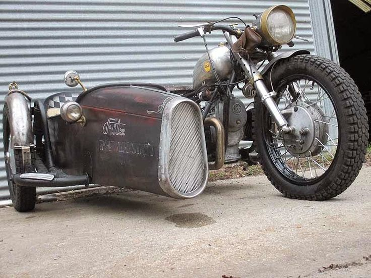 Generation Bobber: Dnepr K750 Conversion with sidecar boat from Fritz from Dresden
