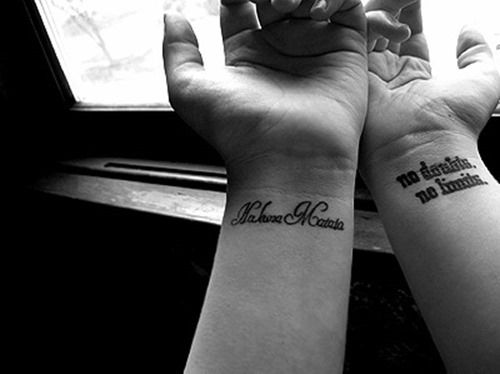 66 simple female wrist tattoos for girls and women 31 tattoos and piercings pinterest - Hakuna matata tatouage ...