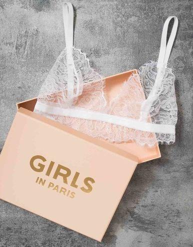 Pyjamas Girls In Paris