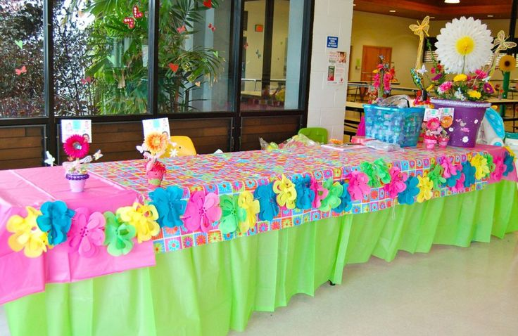 Butterfly theme table decorations.