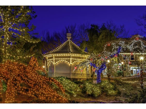 Peddler S Village In 2020 Holidays And Events Holiday Lights Holiday