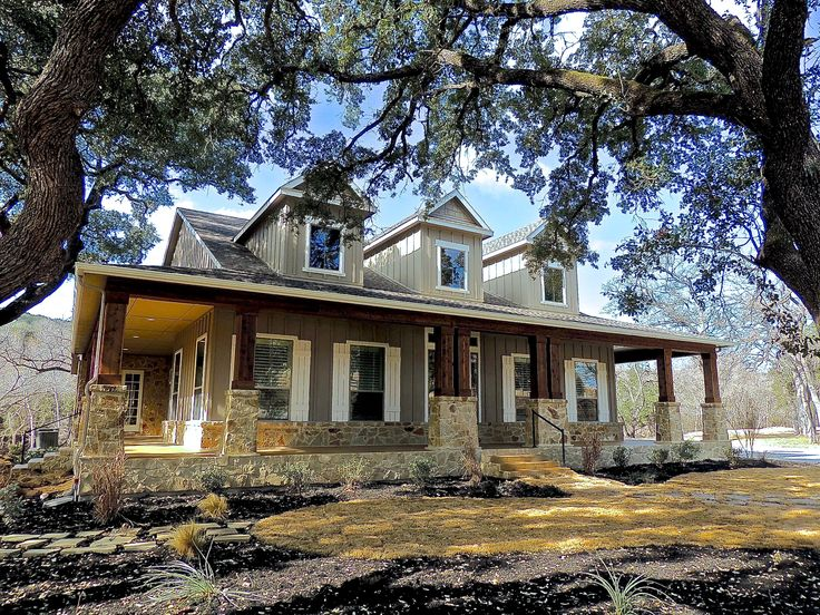 Best 25 hill country homes ideas on pinterest for Hill country ranch home plans