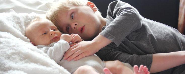Misschien ben je in blije verwachting van een tweede, derde, vierde… kindje  of is er net een klein mensje bijgekomen in jullie gezin. Bij elke baby moet  er opnieuw een evenwicht gezocht worden én krijg je kansen om te groeien als  ouder. Zoals loslaten bijvoorbeeld.