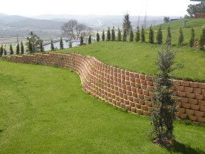 Residential cut slope retaining walls