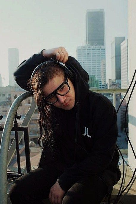 If you ask any fan of music the first artist that comes to their mind when you say dubstep the answer will undoubtly be skrillex, in August of 2009 skrillex revolutionized the dubstep scene by adding more profound drops in his songs, this lead to dubstep being one of the most popular genres that year and helped other dubstep artists break into the scene.