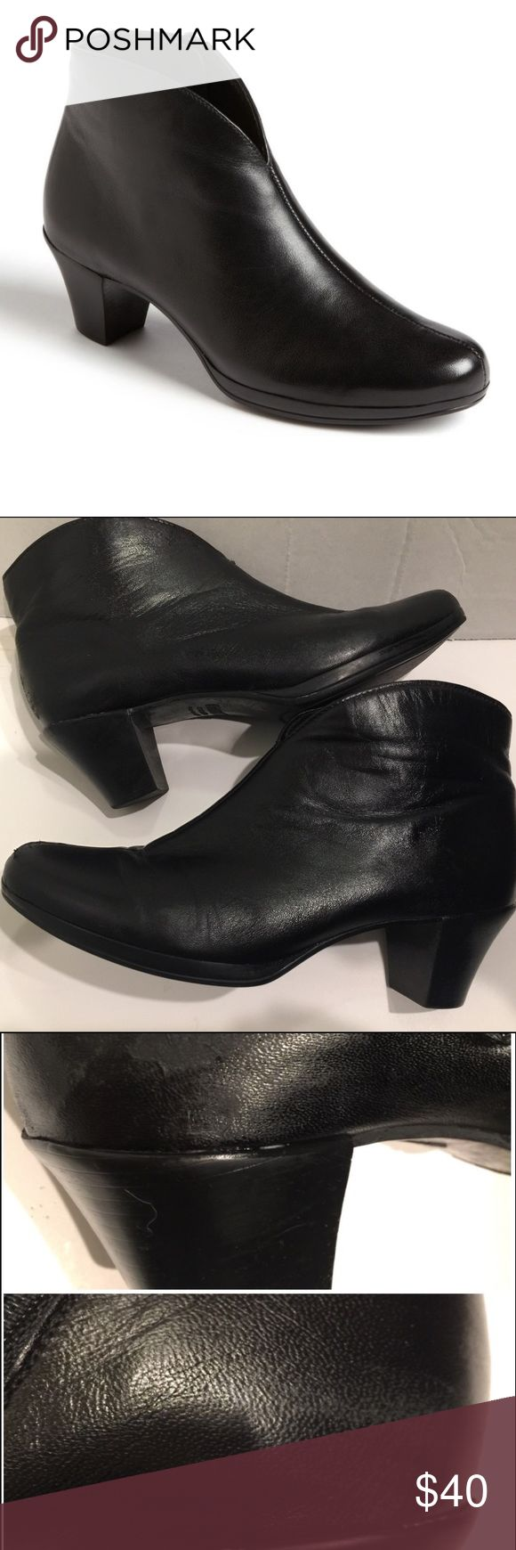 """🔵Munro black leather ankle booties. Style """"Robyn"""" 🔵2 for $30 SALE! Looking for a comfortable bootie? This is it! Butter soft black leather ankle boot with 1.5 inch heel. will set off skinny jeans or leggings beautifully. Removable footbed. signs of wear, marks&scuffs/rubbing toe and ankle areas. 1st pic is stock, others are of actual boots. Pls ask for additional pics, price reflects used condition. Currently selling $225…"""