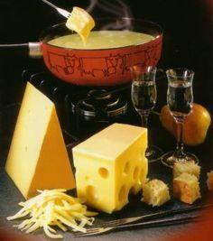 Kaasfondue Met Cheddar En Whiskey recept   Smulweb.nl