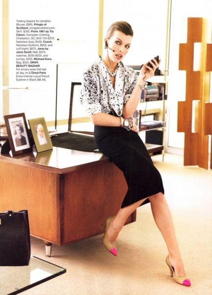 Модная бизнес леди Милла Йовович в Harper's Bazaar US