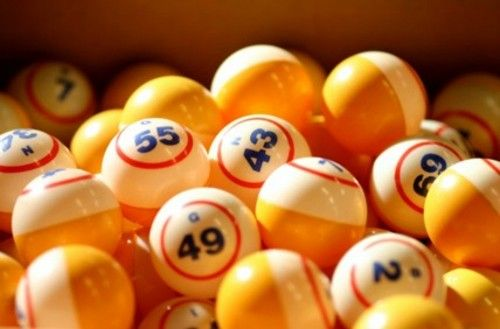 Why Play Bingo Games Online? Online Bingo games are much more fun than playing at a real life casino or your neighborhood Senior Citizens league!