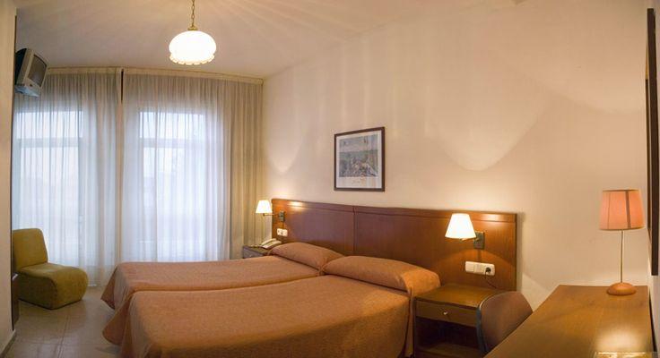Habitación doble estándar de hotel.