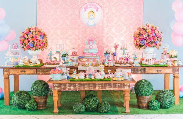 festinha-alice-no-pais-das-maravilhas-rosa-azul-decoracao-Pequenos-Luxos-01