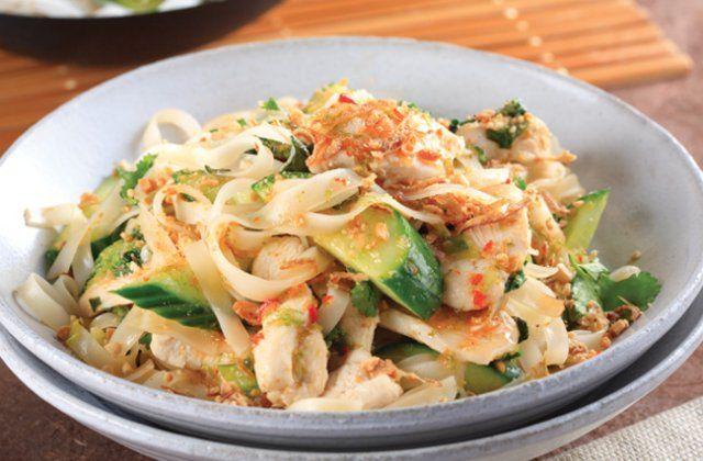 Chicken Pad Thai recipe - Asian dinner ideas. Delicious!