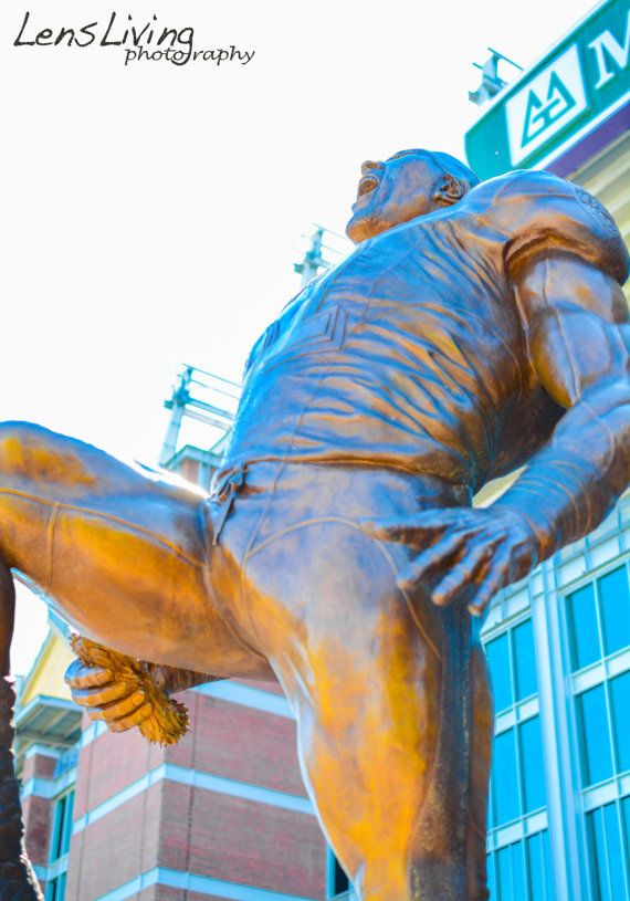 Ray Lewis Statue. Baltimore Ravens Stadium. Photography.