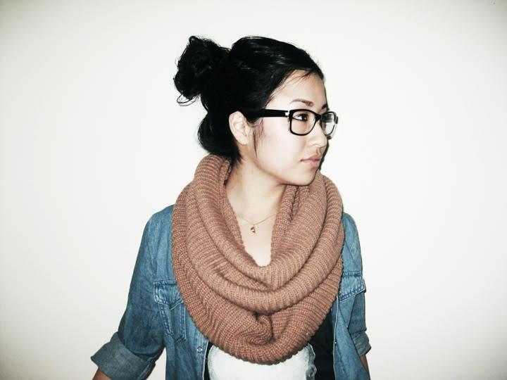 scarf: Diy Ideas, A Mini-Saia Jeans, Jeans Jackets, Long Hair, Super Easy, Jean Jackets, Scarfs Combos, Dark Blue, Open Jeans