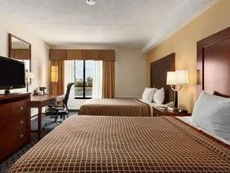 Geneva (NY) Days Inn Geneva United States, North America Ideally located in the prime touristic area of Geneva, Days Inn Geneva promises a relaxing and wonderful visit. Both business travelers and tourists can enjoy the hotel's facilities and services. To be found at the hotel are free Wi-Fi in all rooms, 24-hour front desk, facilities for disabled guests, family room, tours. Air conditioning, heating, wake-up service, desk, alarm clock can be found in selected guestrooms. The...