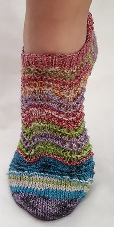 A simple socks made of quadruple sock wool with Rellana cotton. You need 1 ball of 100g.