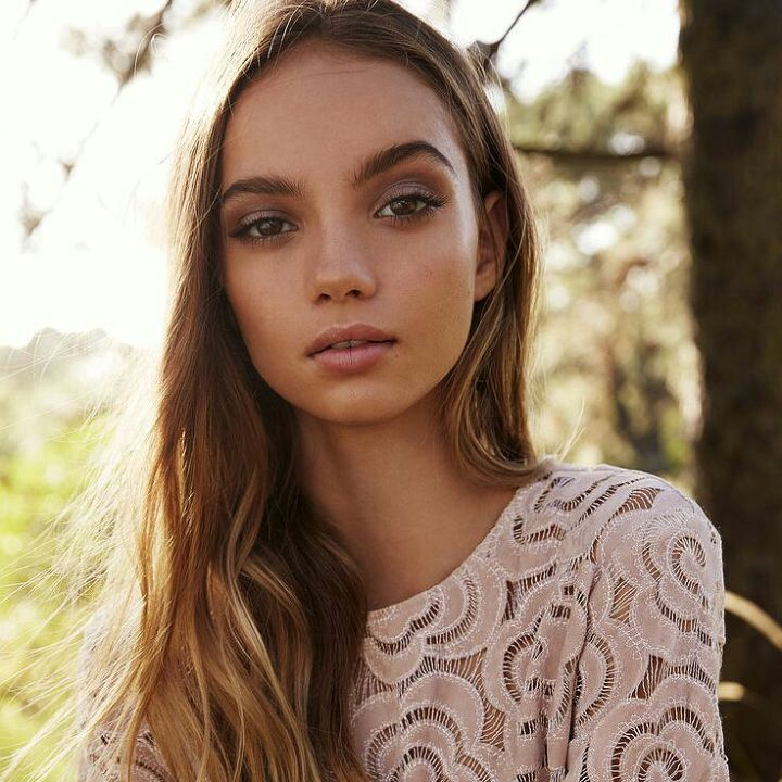 Inka Williams BIRTHDAY September 9, 1999 (age 17) BIRTHPLACE Indonesia About A French-Australian blogger on Tumblr, she is also a model represented by Bali Starz modeling agency. Before Fame She start..