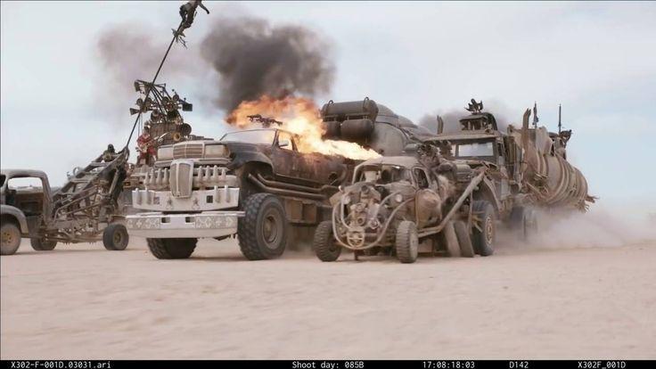 In folgendem 4 Minuten Video sehen wir Behind-The-Scenes-Aufnahmen, Pre-Production-Tests und Rohaufnahmen der Wüsten-Shoots von Mad Max: Fury Road (2015). Das erstaunliche an den Aufnahmen ist die fehlende CGI-Bearbeitung, was soviel heisst wie, alles was hier sieht wurde tatsächlich so gefilmt! Dass niemand dabei ums Leben kam grenzt an ein Wunder! Autos explodieren, fliegen durch die [ ]