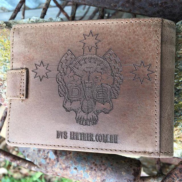Laser engraved hunter vintage leather wallet #dv8laseretchedleather