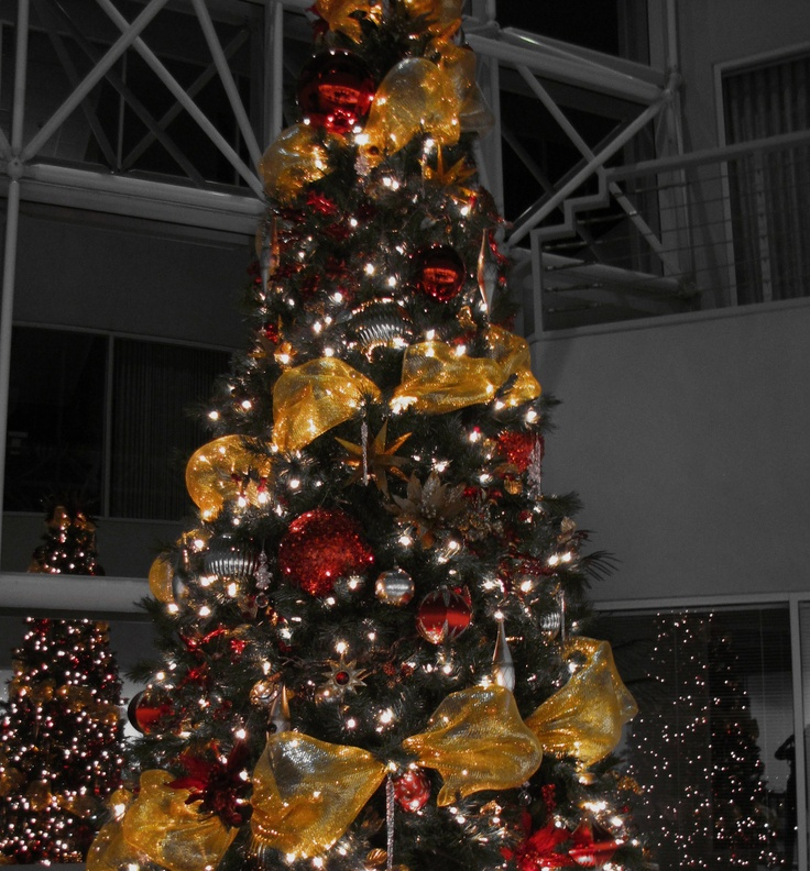 Christmas tree~ silver gold, & red