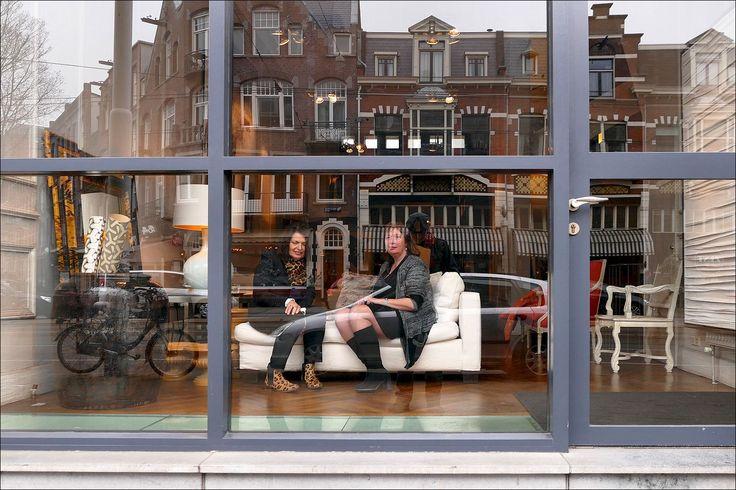Etalagepoppen? In de van Baerlestraat in Amsterdam...