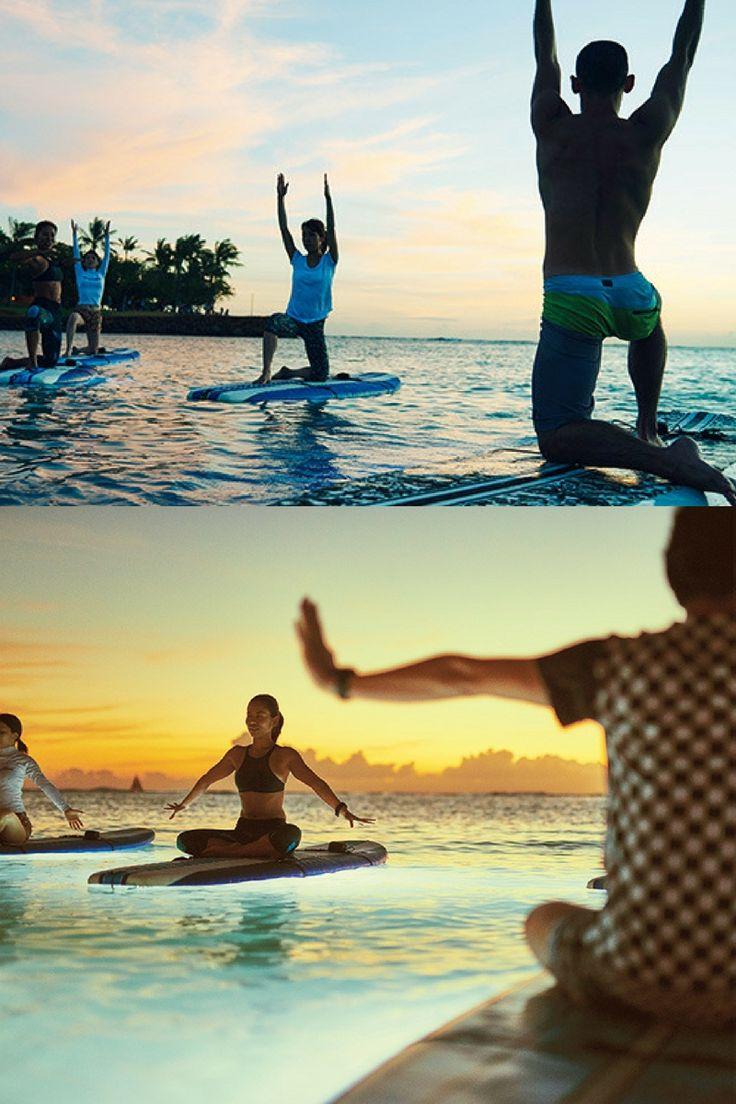 ハワイに旅行に行ったら美しい夕日を眺めながら、ヨガでリラックスしよう!
