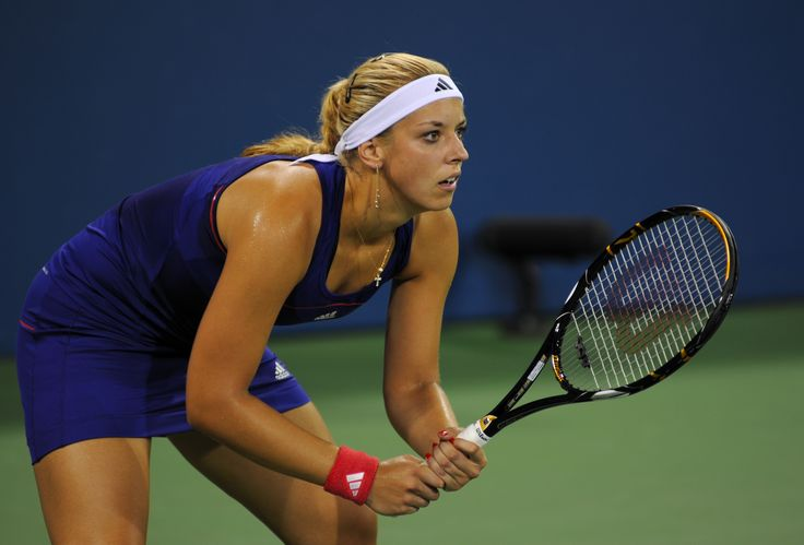 Sabine_Lisicki_at_the_2010_US_Open_01.jpg (4000×2713)