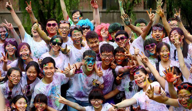 The Color Run, également connu sous le nom de 5k le plus heureux sur la planète, est une course unique peinte qui célèbre la santé, le bonheur, l'individualité et redonne à la communauté. Et ce course aura lieu à Shanghai le 27 Septembre .