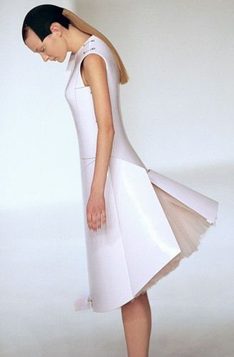 Hussein Chalayan SS00 by Syuzi, via Flickr