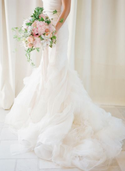Vera Wang gown: http://www.stylemepretty.com/2014/10/14/soft-romantic-summer-winery-wedding/ | Photography: KT Merry - http://www.ktmerry.com/