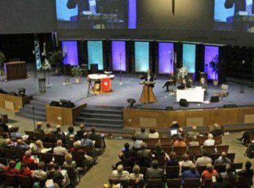 """Un estudio de más de cinco años ha demostrado que las iglesias que enseñan una teología más """"conservadora"""" tienen mayores tasas de crecimiento. Según..."""