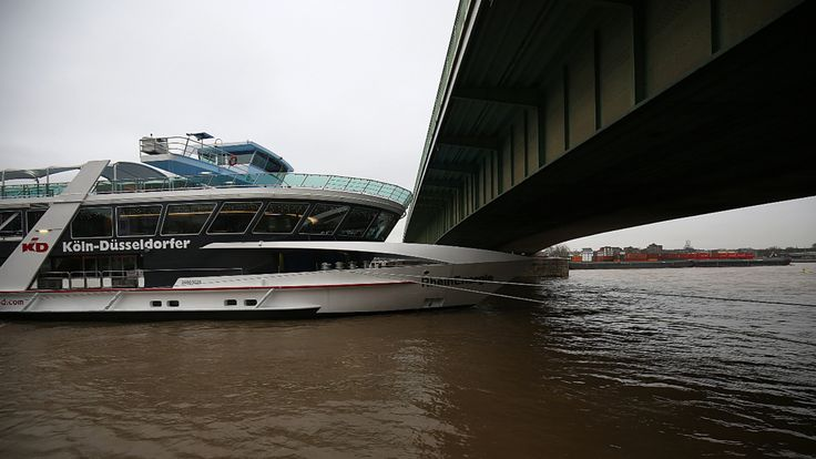 Pegelstände erreichen kritische Marke - Hochwasser hält Deutschland in Atem - News Inland - Bild.de
