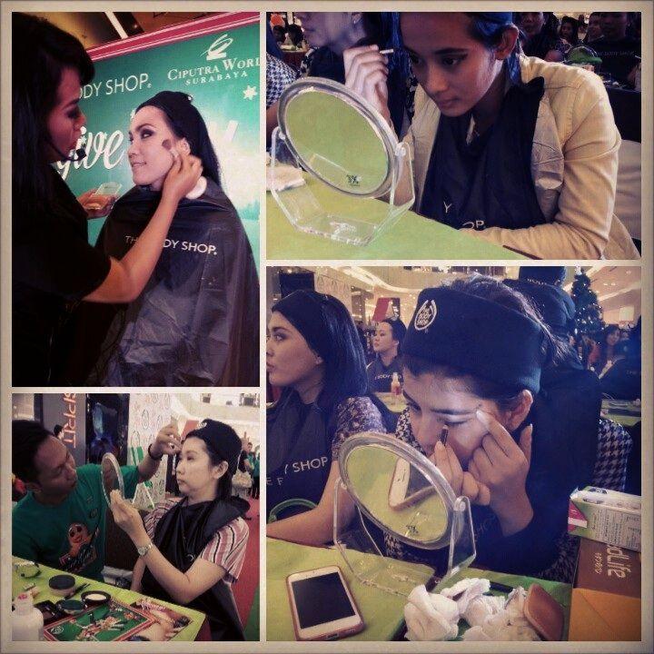 Seru... member LYB sibuk mengaplikasikan makeup dgn tema party look #TBSGiveJoy @The Body Shop Indonesia