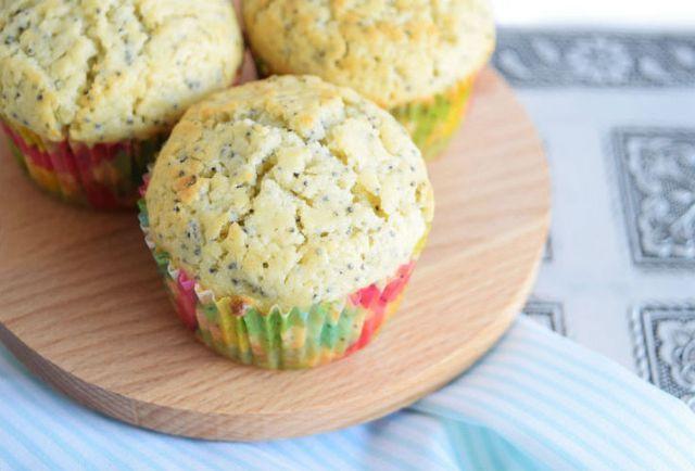 Sinner Sunday: Citroen-maanzaad muffins | Chickslovefood.com | Bloglovin'