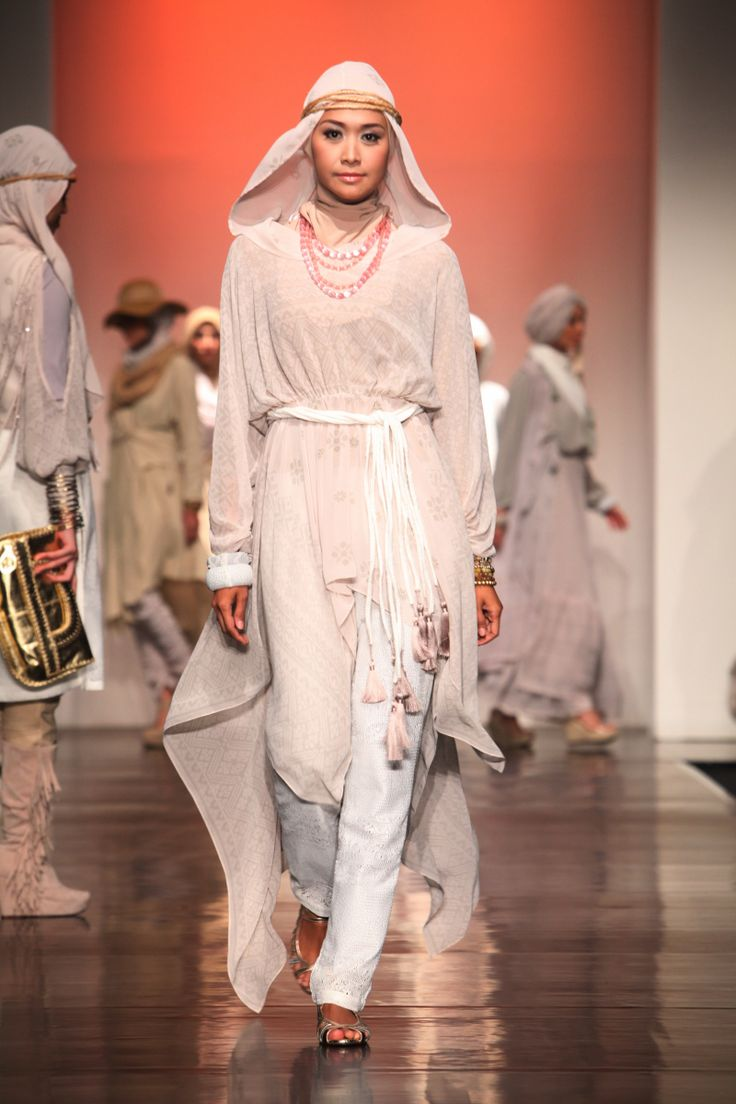 Ria Miranda 'Beatnik', Jakarta Islamic Fashion Week 2013