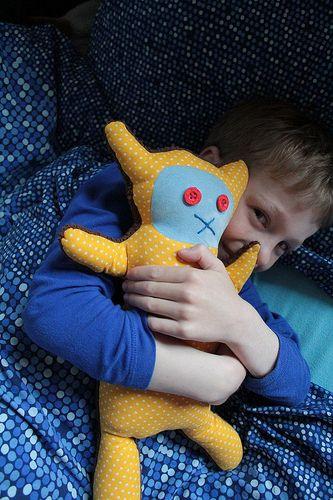 Zelfgemaakte knuffel Thijs