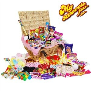 Deluxe Retro Sweet Hamper | Sweet Hampers £59.99