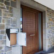 Buzón de paquetería que soluciona la entrega de paquetes cuando no estás en casa: Box M + buzón de correo (13´5Kg.) Medidas exterior A/Al/F (350/660/215)   Medidas interior A/Al/F (335/545/185) #hogar #decoración #baleabox #arquitectura #jardín #buzón #paquetes #paquetería #mensajería #compras #buzón #paquetería #paquetes #decoración  #buzones #portal #entrada #recibidor #rellano #hall #unifamiliar #vivienda / www.baleabox.com