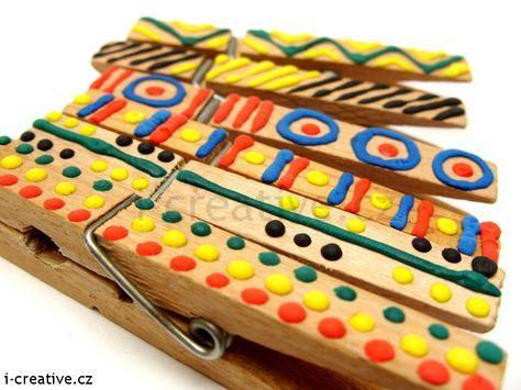 Handpainted wooden clothes pegs / Kreslení na dřevěné kolíčky na prádlo.
