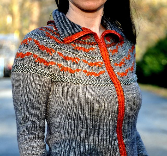 Ravelry: jettshin's きつね version of 'oranje'.  I am always left in wonderment at what this exceptional knitter is able to achieve.  I encourage all to check out her project page.  Seriously inspiring but all the patterns are there to follow too.
