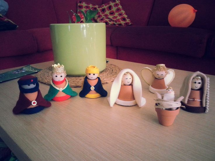 Little pots felt Nativity craft