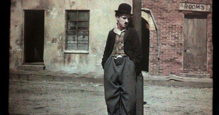 Σπάνια, έγχρωμη φωτογραφία του Charlie Chaplin
