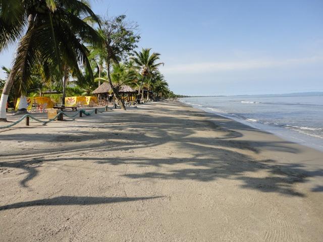 El paraíso de un buen descanso, lo puedes encontrar en nuestro Centro Vacacional Camino Verde. Te Esperamos… Tel: +(5) 249 9464 Cels: 310 363 7405 - 311 408 5028 - 317 668 71 78