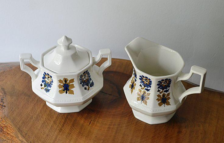 Johnson Bros., Cream And Sugar Set, Jacobean Pattern