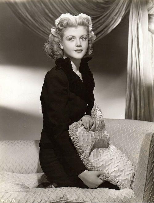 Angela Lansbury, 1945 wow beautiful