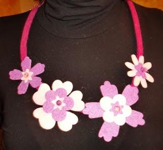 felt necklace - collana in feltro